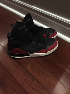 Jordan flight shoes size 5Y (youth) 10-11yrs boys