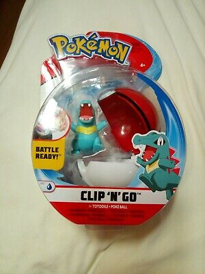 POKEMON BATTLE FIGURE S4 TOTODILE + POKEBALL