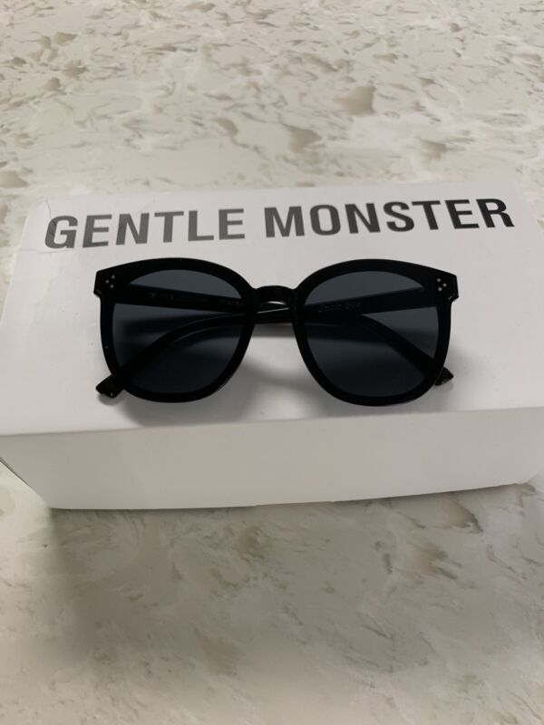 Gentle Monster Sunglasses .not authentic. box not included.Good Quality