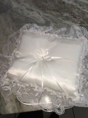 Ring Barer (Lace Ring Barer Pillow )
