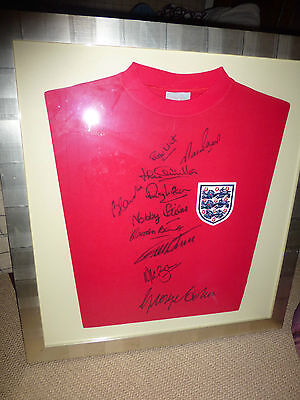 10 members of the World Cup-winning squad signed this shirt