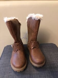 Toddler size 8 brown boots