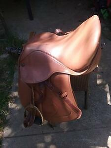 Tekna jumping saddle Armadale Armadale Area Preview