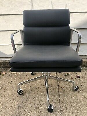 Herman Miller Eames Soft Pad Management Chair Black Leather