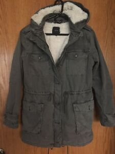 Aritzia Talula Grey Fur Lined Trooper Jacket Size Medium