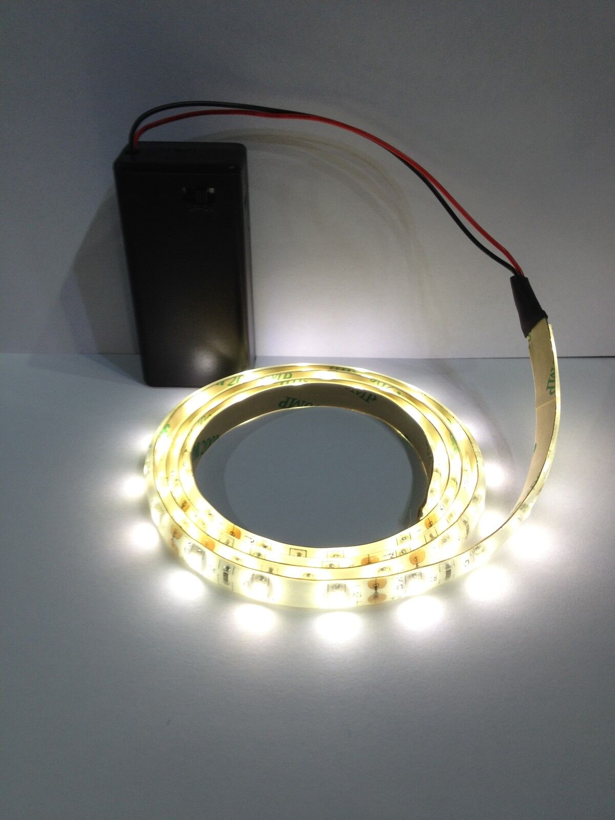 dolls house led strip lights 3528 9v battery box switch lamp lighting railway ebay. Black Bedroom Furniture Sets. Home Design Ideas