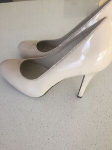 Nude Heels size 8 Pacific Pines Gold Coast City Preview