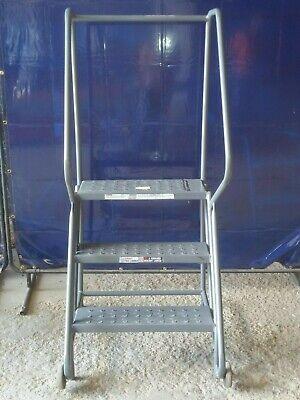 Tri Arc Mfg. Grey 3 Stepwarehouse Rolling Ladder
