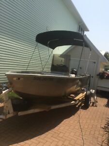 Kroph (Stanley) 16' Centre Console Boat