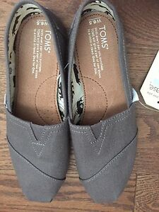 Women's toms never used
