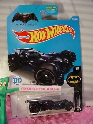 Dawn of Justice BATMOBILE #329✰blue✰BATMAN v SUPERMAN✰2017 US Hot Wheels case Q