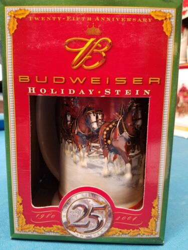 2004  Anheuser Busch  AB  Budweiser Holiday Christmas Beer Stein Clydesdales NIB