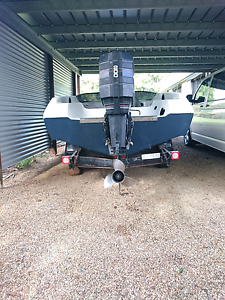 Ski boat 200hp Pride Panther Maleny Caloundra Area Preview