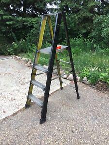Featherlight step ladder