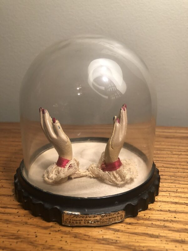 VINTAGE 1940's BABS CREATION 'FOREVER YOURS' PERFUME HOLDING HANDS HOLDER RARE