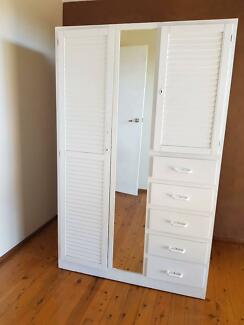 Freestanding used wardrobe