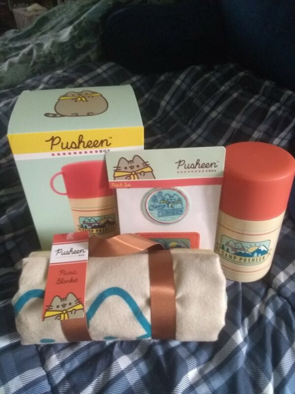 Camp Pusheen Exclusive Summer 2020 lot- Thermos, Picnic Blanket, & Patch Set 💖