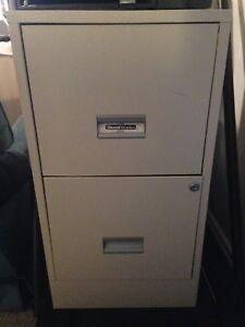 Metal 2-drawer filing cabinet - letter size