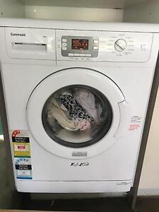 Near new washing machine Beenleigh Logan Area Preview