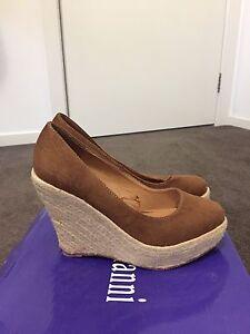 Brown glassons heels never worn Pemulwuy Parramatta Area Preview