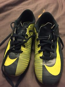 Nike CR7 soccer cleats - size youth 4.5