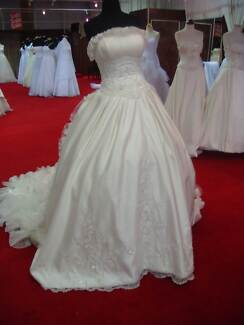 Size 12-14 Beautiful White Wedding Dress! Castlereagh Penrith Area Preview