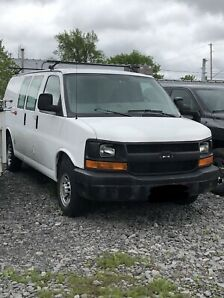 2006 CHEV Express Cargo Van 60 000kms only!