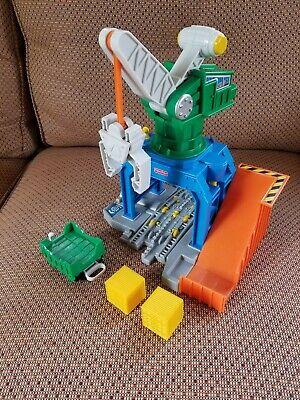 Fisher Price Geo Trax GeoMotion Crane Crankin' Round Moving Parts Works Train