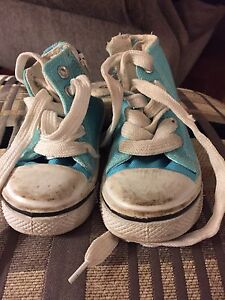 Girls sneakers size 7