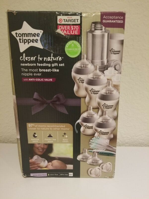 Tommee Tippee Closer to Nature Newborn Bottle Feeding Gift Set