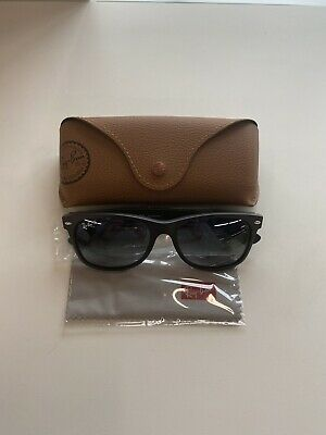 Brand New RayBan (Matte Black) RB2132-601S78 WAYFARER Polarized Men's Sunglasses