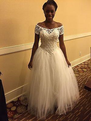 SALE! Venus Wedding Dress! Lace, Tulle, Pearls! SZ 6 & 16