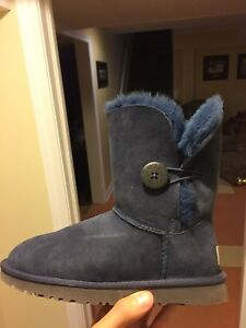 Bailey button navy ugg medium height