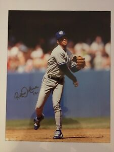 "Roberto Alomar - authentic  signed 8""x10"" photo"