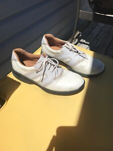 US Kids Golf shoes. Size 6Y