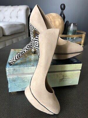 zara womens 6.5 Beige Faux Suede Printed Stiletto Heel Platform Pump