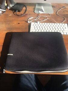 "Incase laptop apple classic 13"" MacBook Pro/air"