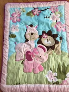 Girls crib quilt set