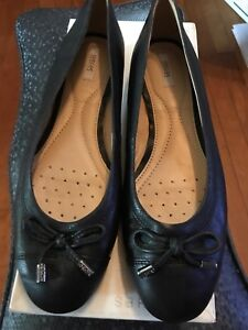 Rand new, never worn Geox black leather ballet flats