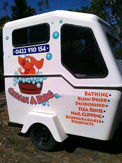 Mobile Dog Grooming CLEAN A DOG