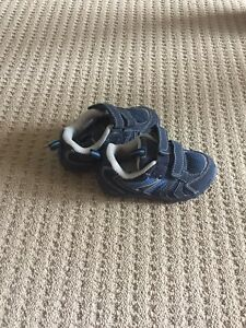 Size 6 Joe Fresh shoes
