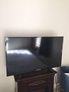 """40"""" Fluid flatscreen HDTV 720P"""