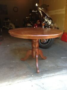 Round Dining Table Oak