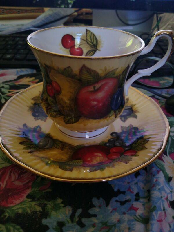 Churchill Brand Queens Fine Bone China - Lovely Antique Fruit Tea Cup ~ Gold Rim