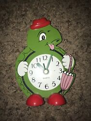 Vintage Wooden Cartoon Turtle Top Hat Wall Clock Young Town Quartz Rare Turtles