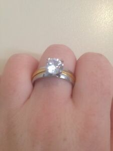 ENGAGEMENT RING - excellent condition Andrews Farm Playford Area Preview