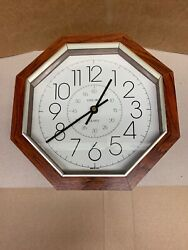 VERICHRON QUARTZ WALL CLOCK
