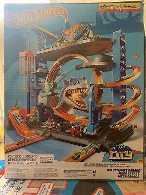 Hot Wheels Ultimate Garage Tower Shark Loop Racetrack , 2 Cars Included