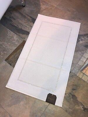 CHRISTY 1000gsm 100% Cotton Swarovski Crystal Framed Bath Mat Silver Grey White