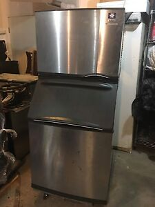 Manitowoc ice machine in excellent condition $2600